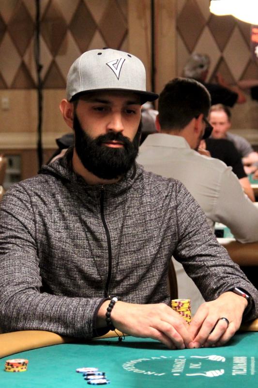 alejandro-jauregui-wygrywa-main-event-2021-mid-states-poker-tour-sycuan