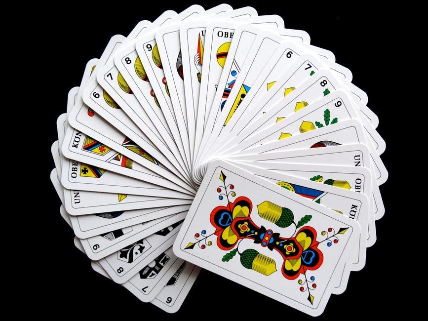 rungood-poker-series-main-event-konczy-sie-11-way-chop